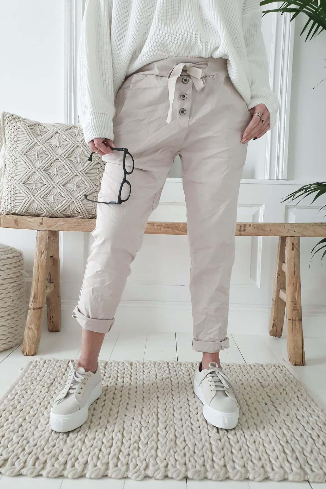 Perfect Jogger Buttons beige